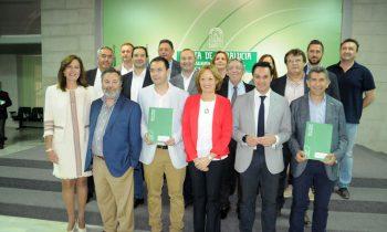 La Consejería de Agricultura firma con los Grupos de Desarrollo Rural los convenios de colaboración para la gestión del programa LEADER de Andalucía 2014-2020